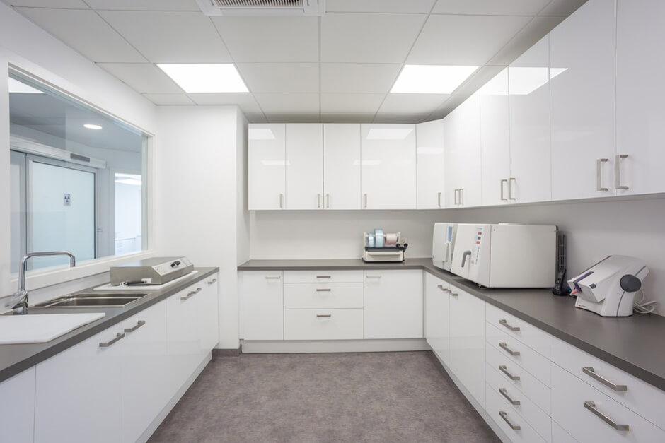 Salle de st rilisation du cabinet dentaire dentiste rosheim - Cabinet dentaire dammarie les lys ...